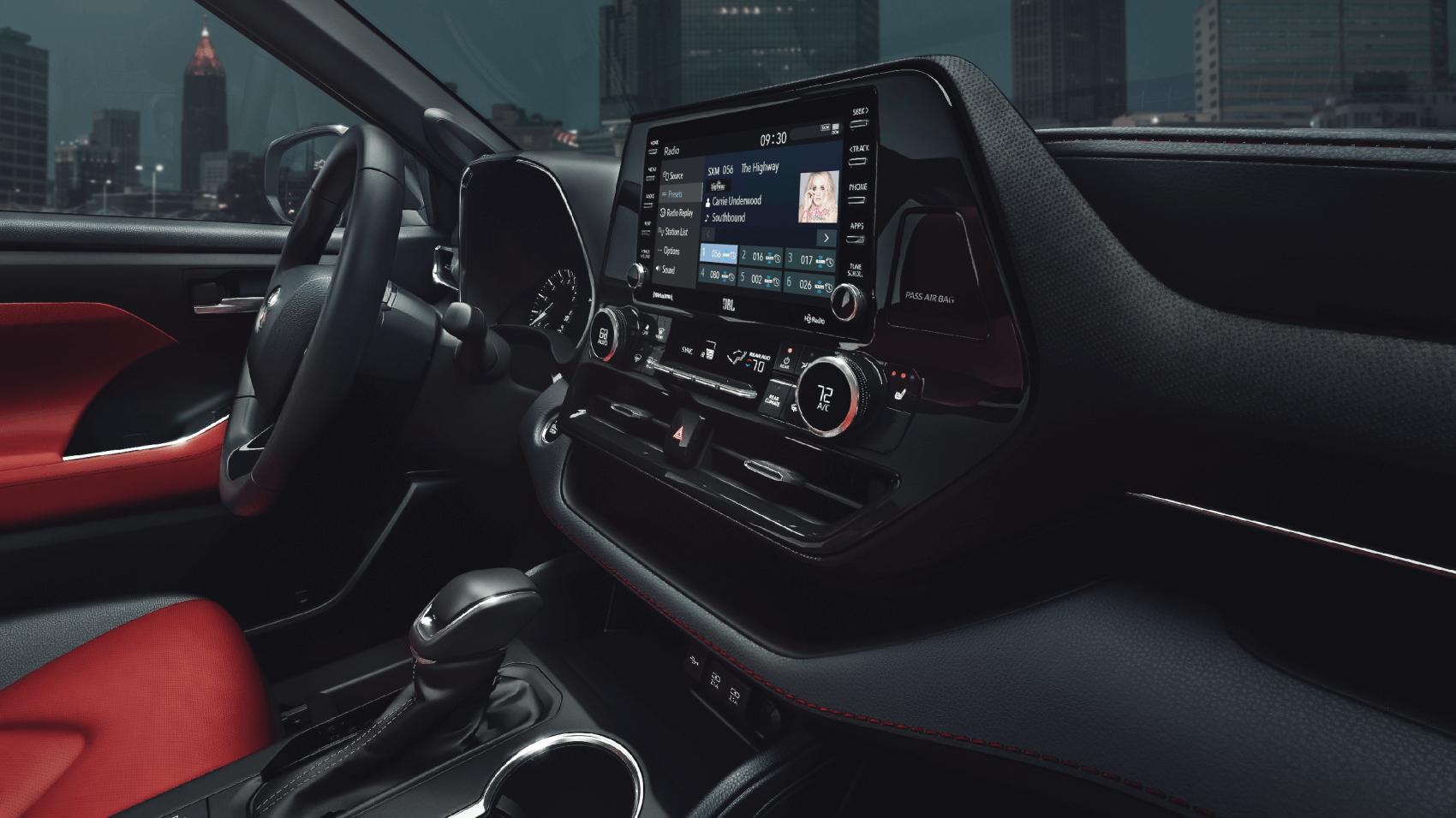 2021 Toyota Highlander Interior Tech