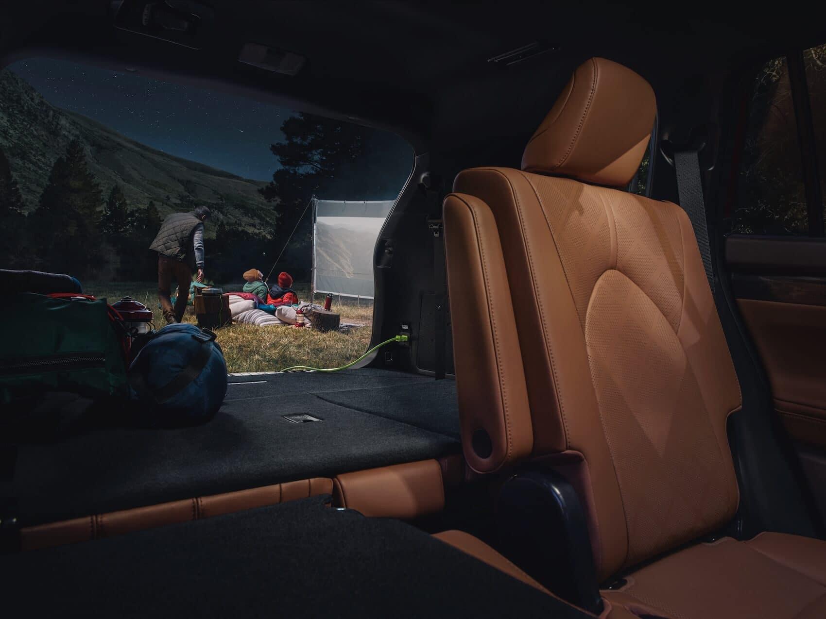 Toyota Highlander Hybrid Cargo