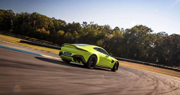2018-aston-martin-vantage-performance