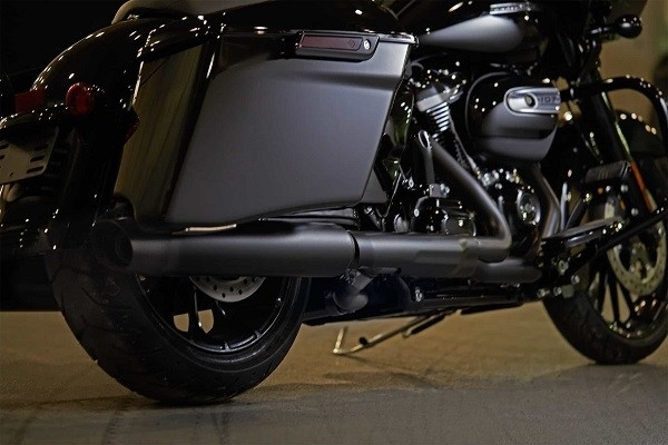 https://di-uploads-development.dealerinspire.com/avalancheharleydavidson/uploads/2017/08/001-kf1-blacked-out-finishes.jpg