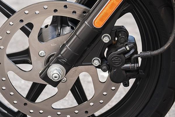 https://di-uploads-development.dealerinspire.com/avalancheharleydavidson/uploads/2017/08/002-kf2-500-optional-anti-lock-brakes.jpg
