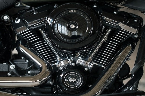 https://di-uploads-development.dealerinspire.com/avalancheharleydavidson/uploads/2017/08/003-kf3-MKE-EIGHT-Big-twin.jpg