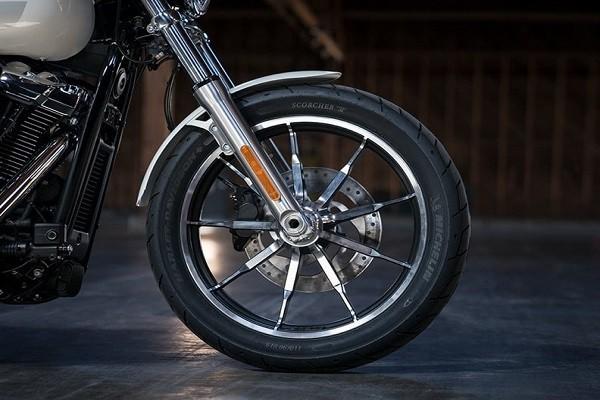https://di-uploads-development.dealerinspire.com/avalancheharleydavidson/uploads/2017/08/003-kf3-cast-wheels.jpg