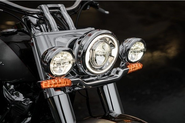 https://di-uploads-development.dealerinspire.com/avalancheharleydavidson/uploads/2017/08/003-kf3-retro-Modern-LED-LIGHTING.jpg
