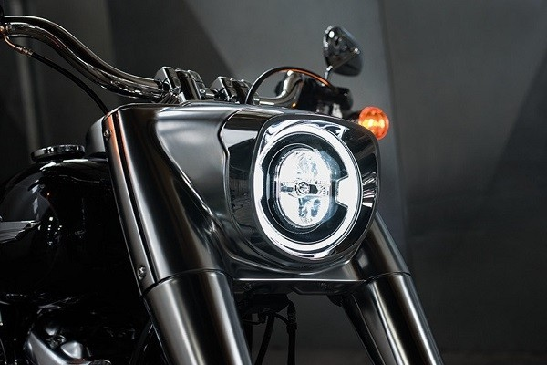 https://di-uploads-development.dealerinspire.com/avalancheharleydavidson/uploads/2017/08/004-kf4-new-LED-Lighting.jpg