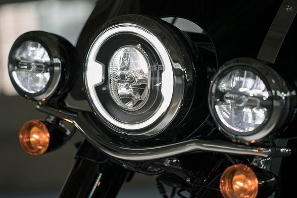 https://di-uploads-development.dealerinspire.com/avalancheharleydavidson/uploads/2017/08/004-kf4-signature-led-lighting.jpg