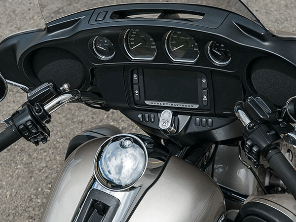 https://di-uploads-development.dealerinspire.com/avalancheharleydavidson/uploads/2017/08/006-kf6-infotainment-system.png