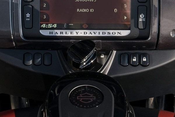 https://di-uploads-development.dealerinspire.com/avalancheharleydavidson/uploads/2017/08/008-kf8-integrated-security-system.jpg