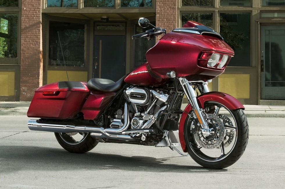 https://di-uploads-development.dealerinspire.com/avalancheharleydavidson/uploads/2017/08/FLTRX-7.jpg