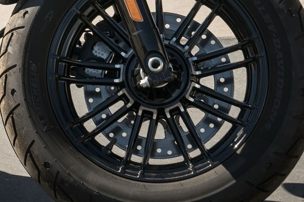 https://di-uploads-development.dealerinspire.com/avalancheharleydavidson/uploads/2017/08/kf5-forty-eight-split-9-spoke-cast-aluminum-wheels.jpg