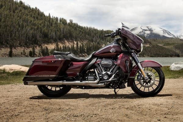 https://di-uploads-development.dealerinspire.com/avalancheharleydavidson/uploads/2018/08/19-cvo-cvo-street-glide-custom-touring-style-k3.jpg
