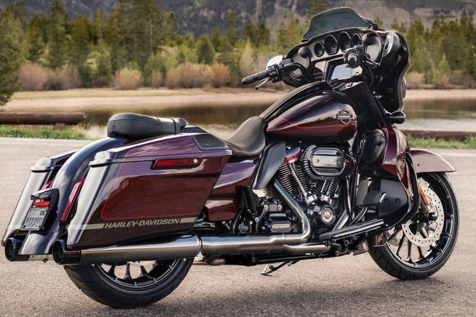new 2019 harley davidson street glide cvo flhxse cvo touring in n billerica 19flhxsegrysil. Black Bedroom Furniture Sets. Home Design Ideas