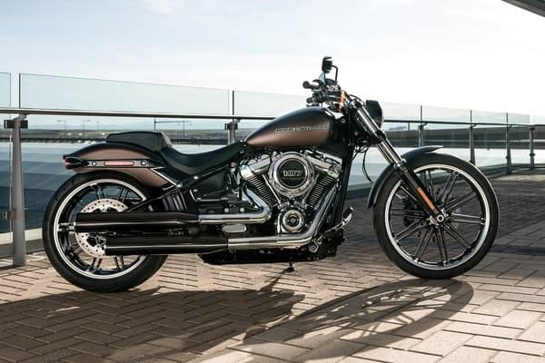 https://di-uploads-development.dealerinspire.com/avalancheharleydavidson/uploads/2018/08/19-softail-breakout-softail-frame-k5.jpg