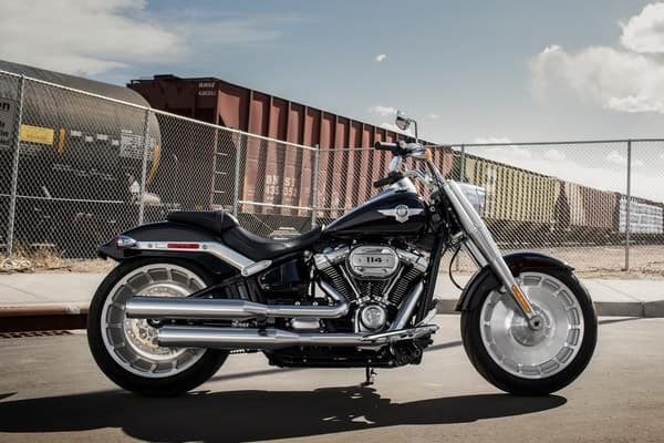 https://di-uploads-development.dealerinspire.com/avalancheharleydavidson/uploads/2018/08/19-softail-fat-boy-softail-frame-k5.jpg