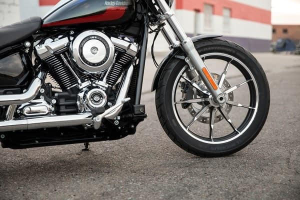 https://di-uploads-development.dealerinspire.com/avalancheharleydavidson/uploads/2018/08/19-softail-low-rider-high-performance-front-suspension-k6.jpg