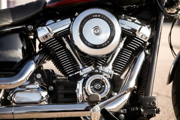 https://di-uploads-development.dealerinspire.com/avalancheharleydavidson/uploads/2018/08/19-softail-low-rider-milwaukee-eight-107-engine-k4.jpg