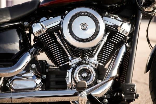 https://di-uploads-development.dealerinspire.com/avalancheharleydavidson/uploads/2018/08/19-softail-low-rider-milwaukee-eight-107-engine-k4.jpg