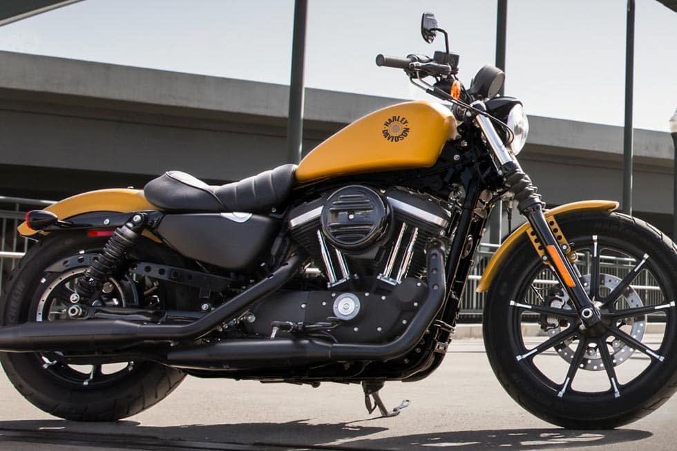 https://di-uploads-development.dealerinspire.com/avalancheharleydavidson/uploads/2018/08/19-sportster-iron-883-gallery-0.jpg