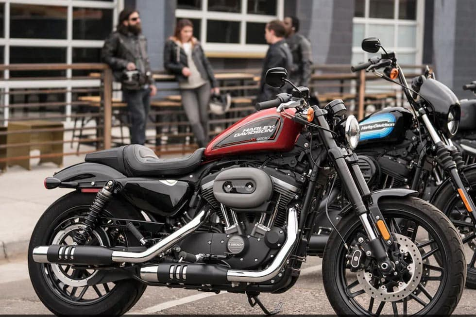 https://di-uploads-development.dealerinspire.com/avalancheharleydavidson/uploads/2018/08/19-sportster-roadster-gallery-6.jpg