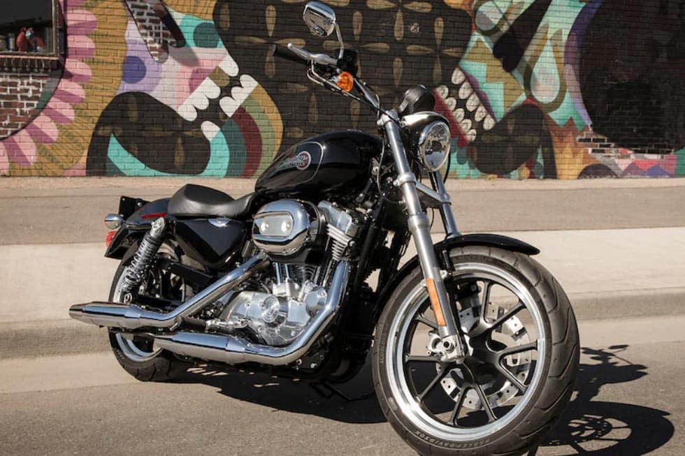 https://di-uploads-development.dealerinspire.com/avalancheharleydavidson/uploads/2018/08/19-sportster-superlow-gallery-2.jpg