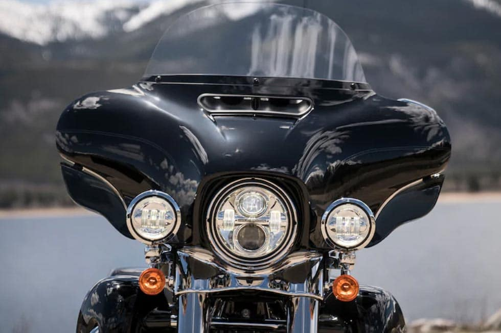 https://di-uploads-development.dealerinspire.com/avalancheharleydavidson/uploads/2018/08/19-touring-electra-glide-ultra-classic-gallery-5.jpg