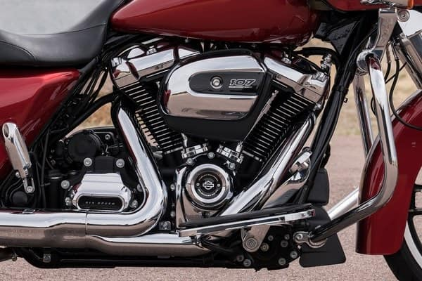 https://di-uploads-development.dealerinspire.com/avalancheharleydavidson/uploads/2018/08/19-touring-road-glide-milwaukee-eight-v-twin-engine-k4.jpg