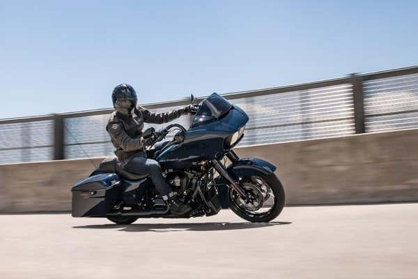 https://di-uploads-development.dealerinspire.com/avalancheharleydavidson/uploads/2018/08/19-touring-road-glide-special-hdi-responsive-suspension-k7.jpg