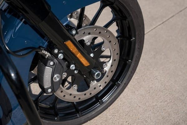 https://di-uploads-development.dealerinspire.com/avalancheharleydavidson/uploads/2018/08/19-touring-road-glide-special-reflex-brembo-brakes-abs-k6.jpg