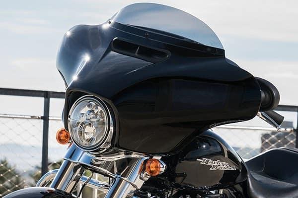 https://di-uploads-development.dealerinspire.com/avalancheharleydavidson/uploads/2018/08/19-touring-street-glide-batwing-fairing-k2.jpg