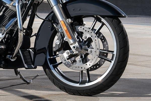 https://di-uploads-development.dealerinspire.com/avalancheharleydavidson/uploads/2018/08/19-touring-street-glide-reflex-linked-brembo-brakes-optional-abs-k5.jpg
