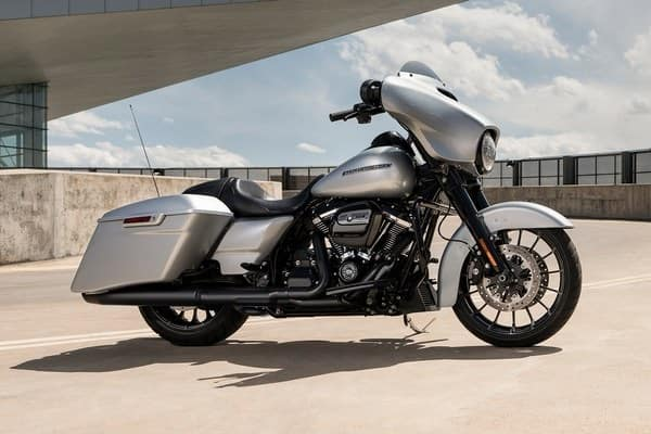 https://di-uploads-development.dealerinspire.com/avalancheharleydavidson/uploads/2018/08/19-touring-street-glide-special-blacked-out-everything-k4.jpg