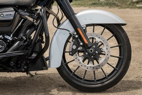 https://di-uploads-development.dealerinspire.com/avalancheharleydavidson/uploads/2018/08/19-touring-street-glide-special-talon-wheels-k2.jpg
