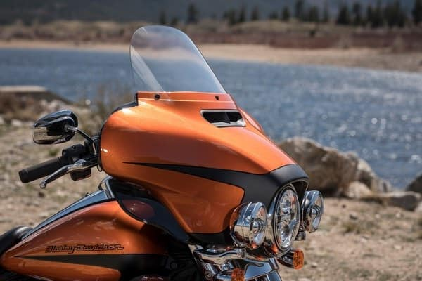 https://di-uploads-development.dealerinspire.com/avalancheharleydavidson/uploads/2018/08/19-touring-ultra-limited-batwing-fairing-splitstream-air-vent-k3.jpg