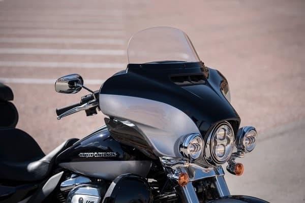 https://di-uploads-development.dealerinspire.com/avalancheharleydavidson/uploads/2018/08/19-touring-ultra-limited-low-batwing-fairing-stream-air-vent-k5.jpg