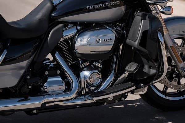 https://di-uploads-development.dealerinspire.com/avalancheharleydavidson/uploads/2018/08/19-touring-ultra-limited-low-milwaukee-eight-114-engine-k4.jpg