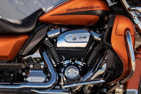 https://di-uploads-development.dealerinspire.com/avalancheharleydavidson/uploads/2018/08/19-touring-ultra-limited-milwaukee-eight-114-engine-k1.jpg