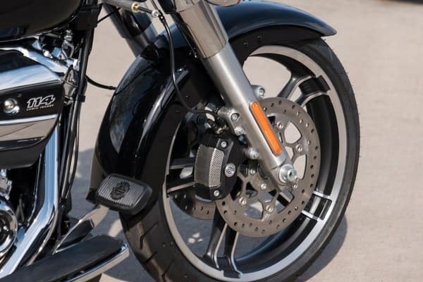 https://di-uploads-development.dealerinspire.com/avalancheharleydavidson/uploads/2018/08/19-trike-freewheeler-reflex-linked-brake-system-k2.jpg