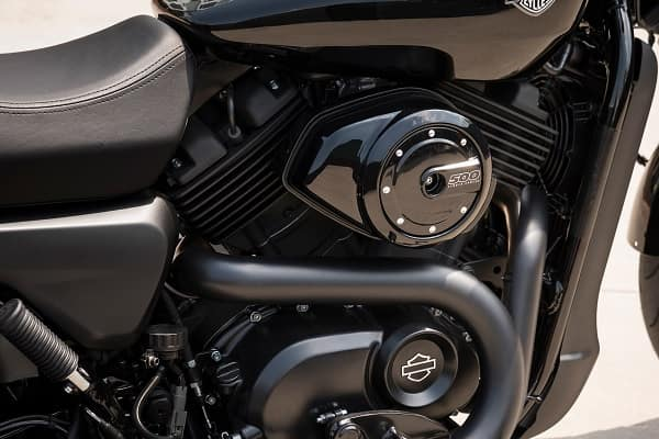 https://di-uploads-development.dealerinspire.com/avalancheharleydavidson/uploads/2018/08/500cc-liquid-cooled-revolution-x-engine-k1.jpg
