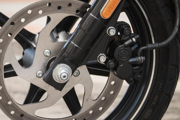 https://di-uploads-development.dealerinspire.com/avalancheharleydavidson/uploads/2018/08/750-optional-anti-lock-brakes-k2.jpg