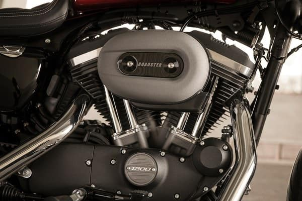 https://di-uploads-development.dealerinspire.com/avalancheharleydavidson/uploads/2018/08/roadster-1200-cc-air-cooled-evolution-engine-k1.jpg