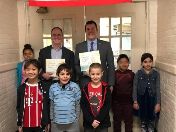 Community Image - Jeb Joins the Mayor for Read Across America Week