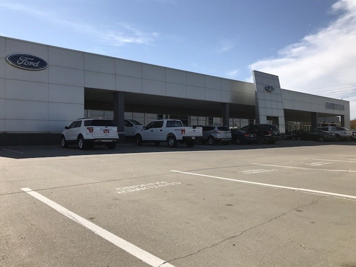 Baxter Ford West Dodge Store Front