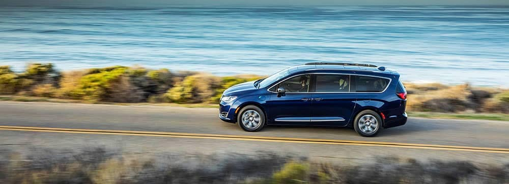 2018-Chrysler-Pacifica-3