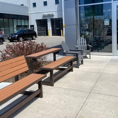 Outdoor Lounge with 6 Feet Separation