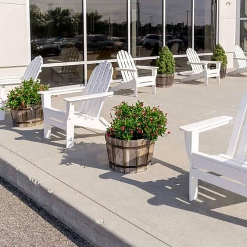 Service Center Outdoor Lounge