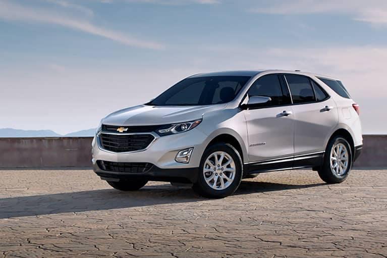 White 2021 Chevrolet Equinox_mobile