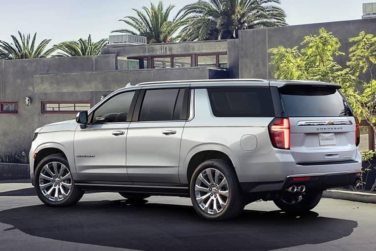 White 2021 Chevrolet Suburban_mobile