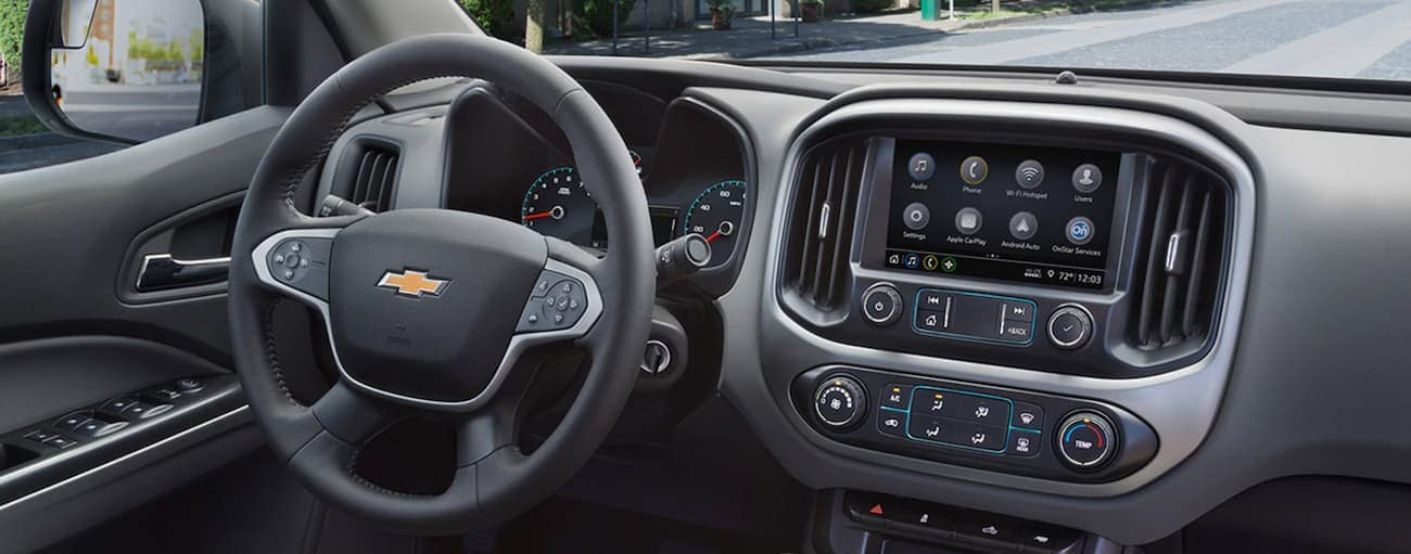 The dashboard and infotainment screen on a 2019 Chevy Colorado is shown.
