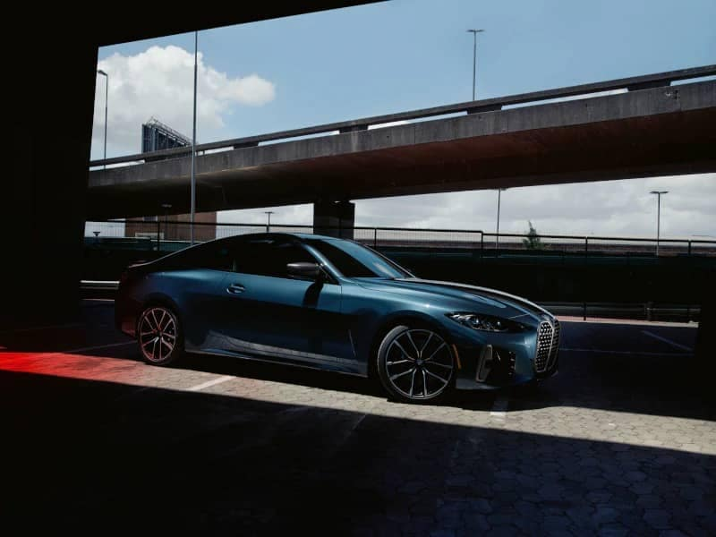Side angled view of 4 Series Coupe