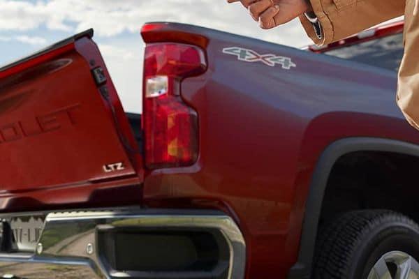 Red 2020 Chevrolet Silverado 2500HD Crew Cab Tailgate_mobile